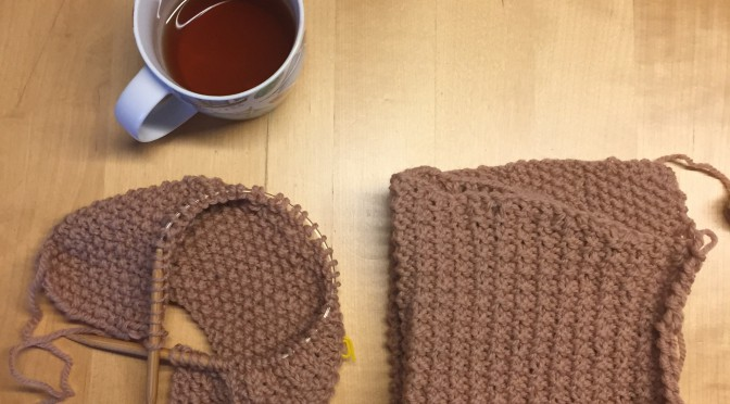 お家でガウンみたいに着たい、ロングカーディガン編みはじめました。