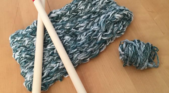 ジャンボ針で編むスヌード